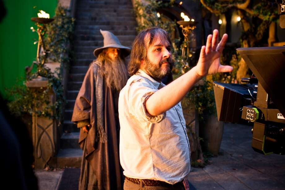 (L-r) IAN McKELLEN and director PETER JACKSON on the set of the fantasy adventure THE HOBBIT: AN UNEXPECTED JOURNEY,€ a production of New Line Cinema and Metro-Goldwyn-Mayer Pictures (MGM), released by Warner Bros. Pictures and MGM.