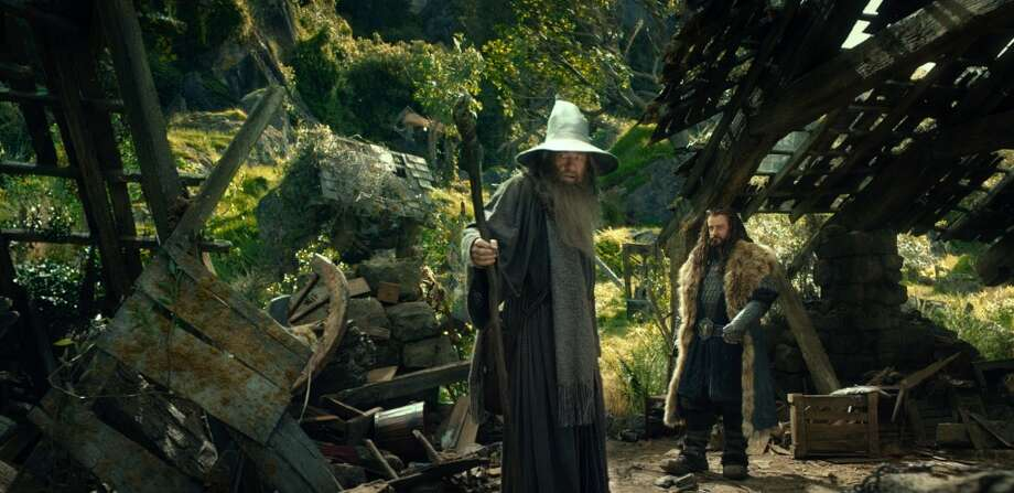 (L-r) IAN McKELLEN as Gandalf and RICHARD ARMITAGE as Thorin Oakenshield in the fantasy adventure THE HOBBIT: AN UNEXPECTED JOURNEY,€ a production of New Line Cinema and Metro-Goldwyn-Mayer Pictures (MGM), released by Warner Bros. Pictures and MGM.