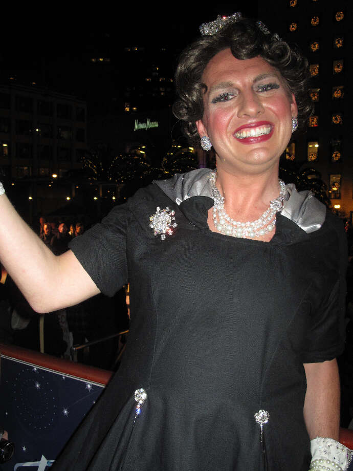 Union Square, Dec. 6th, 2012; Queen Dilly Dally makes first appearance in drag (Leah Garchik)