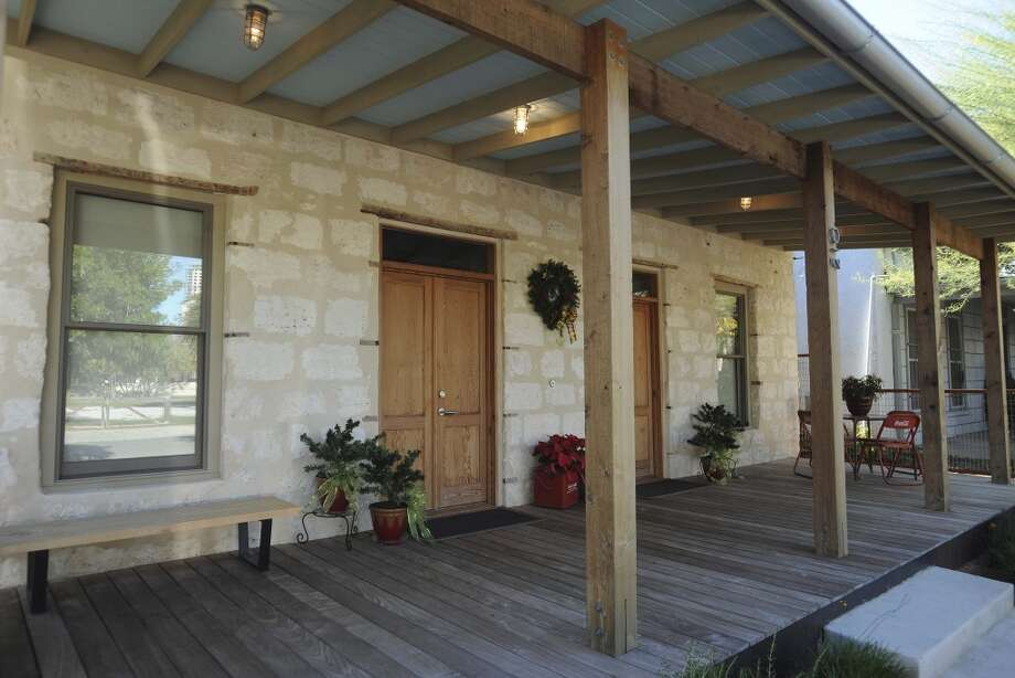 The front porch of the home of Jerry and Samantha Gore. (Billy Calzada / San Antonio Express-News)