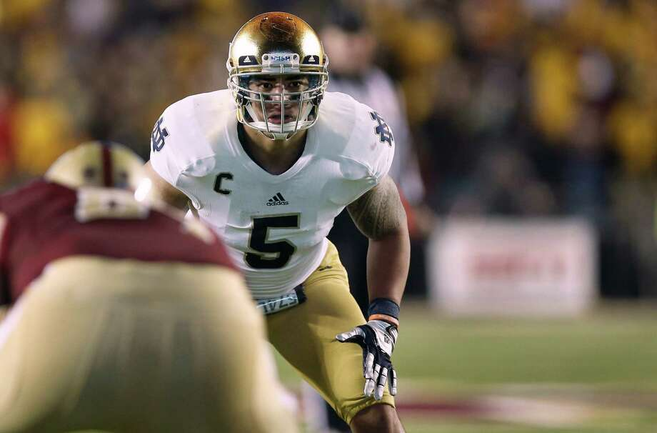 Notre Dame linebacker Manti Te'o has won six individual postseason awards. Photo: Winslow Townson, FRE / FR170221 AP
