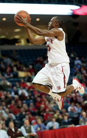 Fairfield University's Desmond Wade going up for a shot in a men's basketball game against Canisius College played at Webster Bank Arena, Bridgeport CT on Friday December 7th, 2012. Photo: Mark Conrad / Connecticut Post Freelance