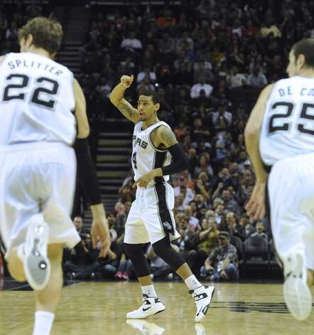 Danny Green of the San Antonio Spurs gestures after scoring on a three-point shot against the Houston Rockets at the AT&T Center on Friday, Dec. 7, 2012. (Billy Calzada / San Antonio Express-News)