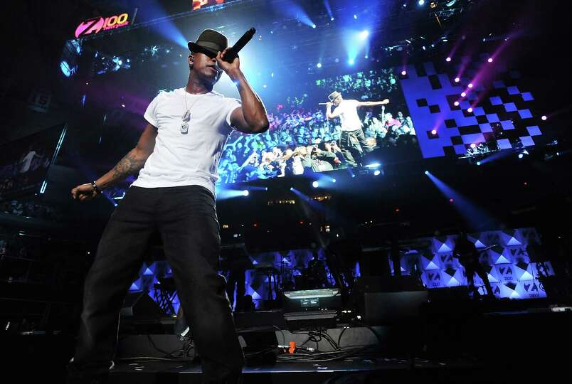 Singer Ne-Yo performs at Z100's Jingle Ball 2012 presented by Aeropostale at Madison Square Garden o
