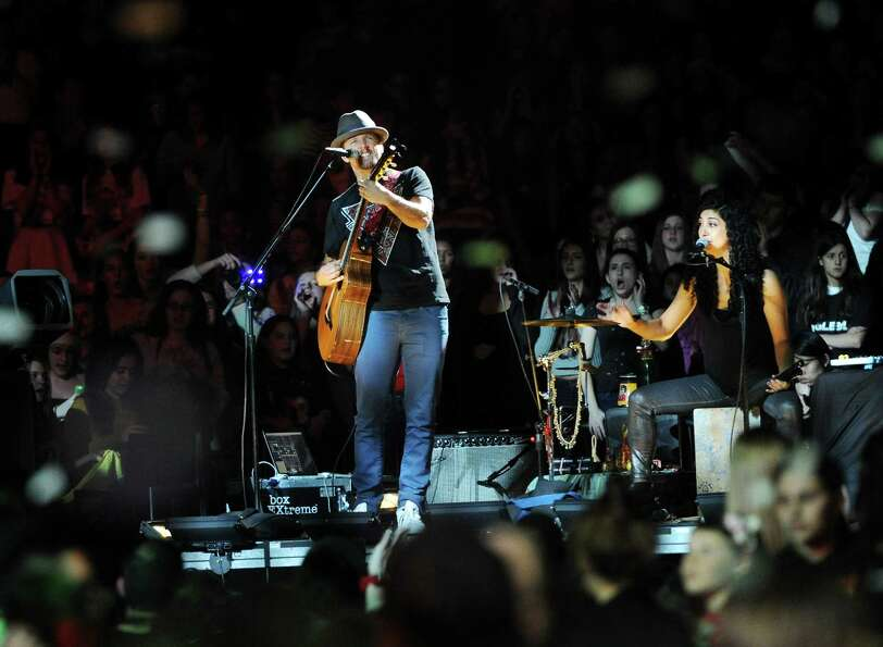 Musician Jason Mraz performs at Z100's Jingle Ball 2012 presented by Aeropostale at Madison Square G