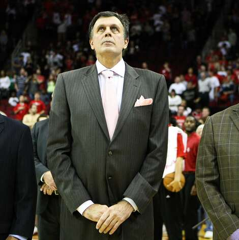 Rockets head coach Kevin McHale stands for the National Anthem as he makes his return. (Nick de la Torre  / Houston Chronicle)