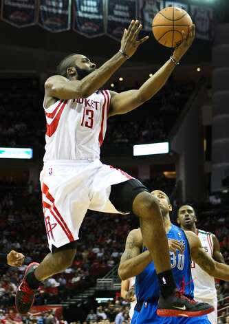 James Harden makes a play to the basket, where he was fouled. (Nick de la Torre  / Houston Chronicle)