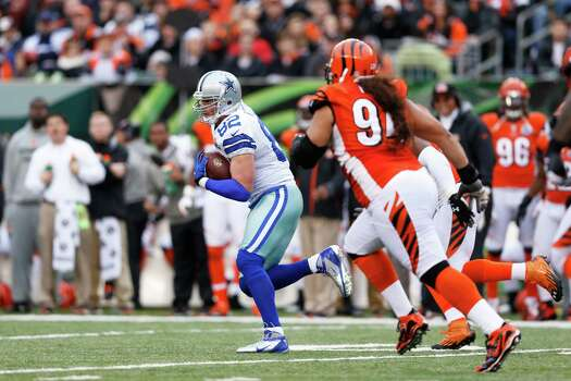 Jason Witten #82 of the Dallas Cowboys runs downfield after a reception against the Cincinnati Bengals during the game at Paul Brown Stadium on December 9, 2012 in Cincinnati, Ohio. Dallas won 20-19. Photo: Joe Robbins, Getty Images / 2012 Getty Images