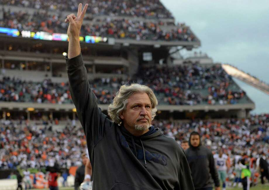 Dallas Cowboys defensive coodinator Rob Ryan leaves the field after the Cowboys defeated the Cincinnati Bengals 20-19 in an NFL football game, Sunday, Dec. 9, 2012, in Cincinnati. (AP Photo/Michael Keating) Photo: Michael Keating, Associated Press / FR170759 AP