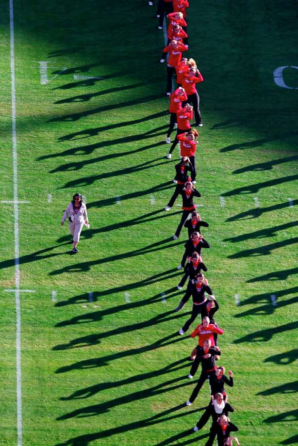 Halftime show dancers warm up prior to the start of the San Francisco 49ers game against the Miami Dolphins at Candlestick Park in San Francisco, Calif., on Sunday December 9, 2012. Photo: Carlos Avila Gonzalez, The Chronicle / ONLINE_YES