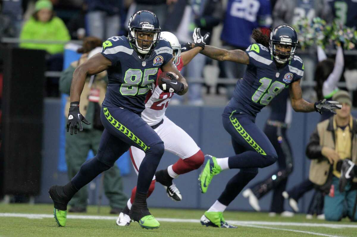 Seattle Seahawks tight end Anthony McCoy (85) runs against the Arizona Cardinals during the first half of an NFL football game in Seattle, Sunday, Dec. 9, 2012.