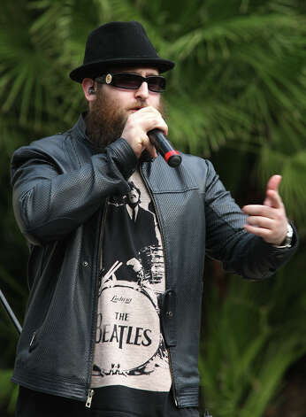Hasidic rapper DeScribe performs during Chanukah on the River. Photo: Jerry Lara, San Antonio Express-News / © 2012 San Antonio Express-News