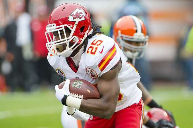 CLEVELAND, OH - DECEMBER 09: Running back Jamaal Charles #25 of the Kansas City Chiefs runs for a gain during the first half against the Cleveland Browns at Cleveland Browns Stadium on December 9, 2012 in Cleveland, Ohio. (Photo by Jason Miller/Getty Images) Photo: Jason Miller, Getty Images