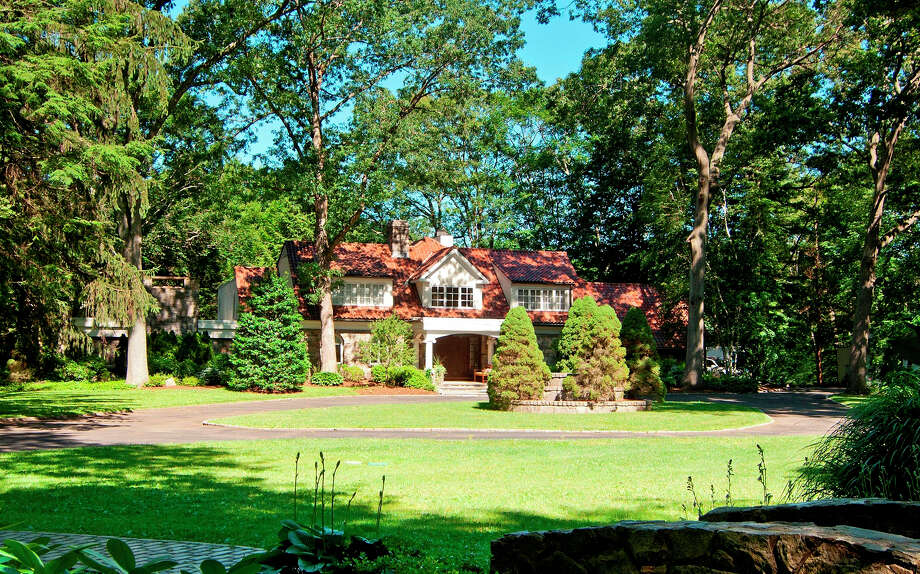 This Mediterranean-influenced and Contemporary-style house and property, built in 1950, was once the site of many outdoor musical concerts. Not surprisingly,as it was once owned by Frances Gershwin Godowsky, the little sister of legendary composers and lyricists George and Ira Gershwin. Photo: Dennis M. Carbo Photography, Contributed Photo/Dennis M. Carb / Dennis M. Carbo