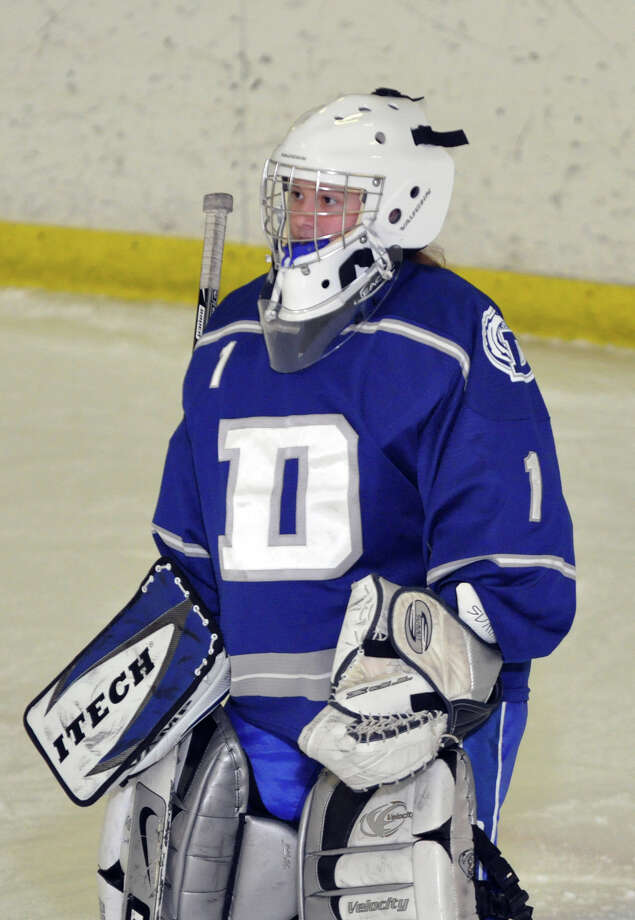 Darien's goalie Shannon Hall during the girls ice hockey game against Notre Dame of Fairfield at the Milford Ice Pavilion on Wednesday, Jan. 19, 2011. Photo: Amy Mortensen, ST / Connecticut Post Freelance