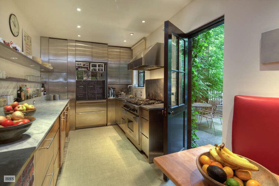 Stainless steel kitchen (Brown, Harris & Stevens)