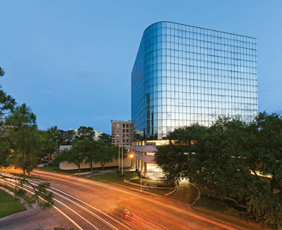 4900 Woodway, a 12-story building in the Galleria area, has been sold to 49 Woodway from Fidelis Realty Partners and BayNorth Capital. (HFF)