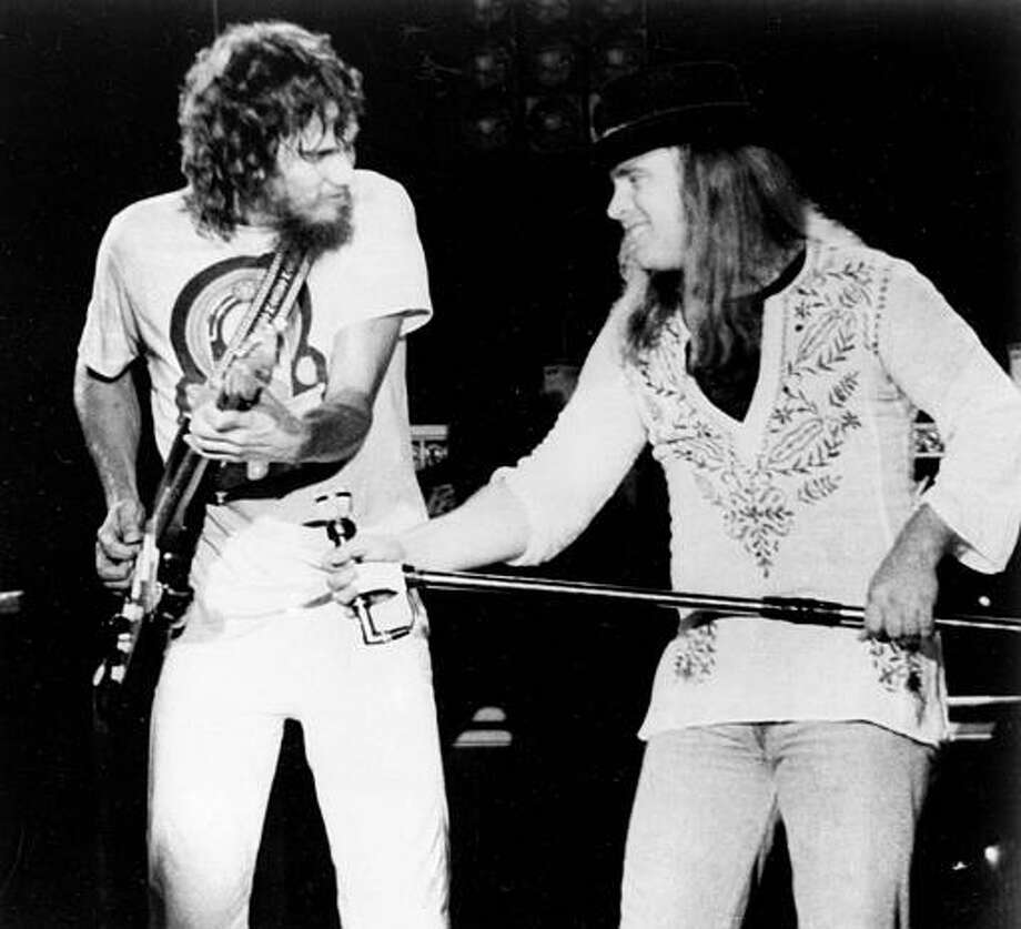 Oct. 21, 1977: Lead singer Ronnie Van Zant and guitarist Stevie Gaines 