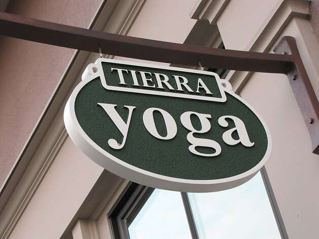Tierra Yoga Photo: Stephanie Wright Hession