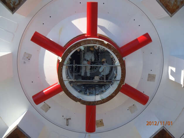 Crews in Japan assemble the SR 99 tunnel boring machine's rotary joint on Nov. 1 2012. Photo: Washington State Department Of Transportation