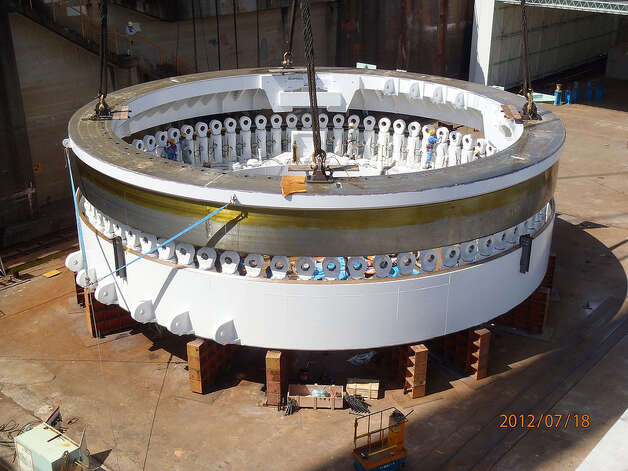 Crews in Japan assemble the SR 99 tunnel boring machine's main body on July 18, 2012. Photo: Washington State Department Of Transportation