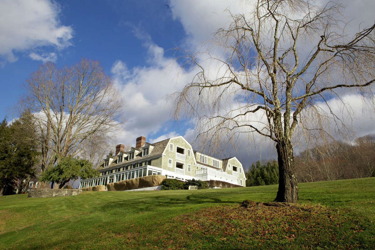 The Mayflower Inn & Spa is located at: 118 Woodbury Road Route 47 Washington, CT 06793