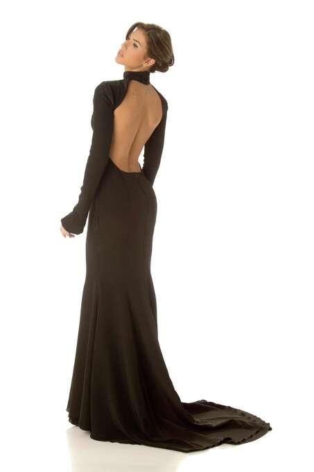 Miss Aruba 2012, Liza Helder, poses in her evening gown. Photo: Matt Brown, Miss Universe Organization / Miss Universe Organization