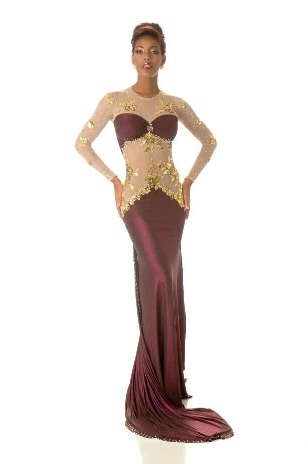Miss Curacao 2012, Monifa Jansen, poses in her evening gown. Photo: Matt Brown, Miss Universe Organization / Miss Universe Organization