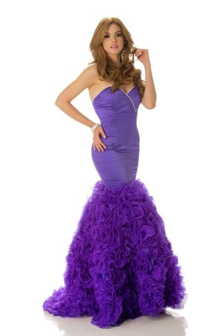 Miss Ecuador 2012, Carolina Andrea Aguirre Pérez, poses in her evening gown. Photo: Matt Brown, Miss Universe Organization / Miss Universe Organization