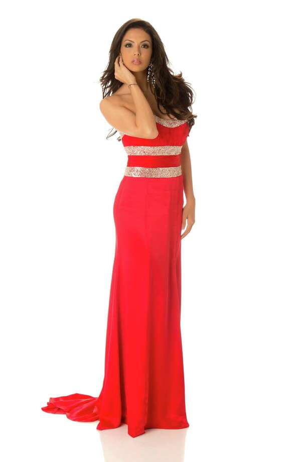 Miss Nicaragua 2012, Farah Eslaquit, poses in her evening gown. Photo: Matt Brown, Miss Universe Organization / Miss Universe Organization