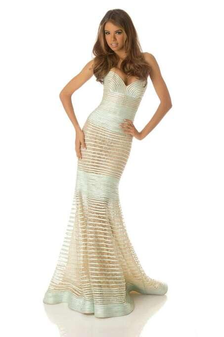 Miss Puerto Rico 2012, Bodine Koehler, poses in her evening gown. Photo: Matt Brown, Miss Universe Organization / Miss Universe Organization