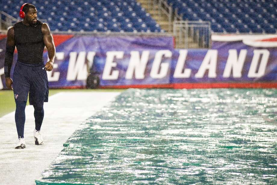 The Monday Night Football Game against the Patriots earlier this season provided the Texans with an idea of the conditions they will be playing in this weekend at Gillette Stadium in Foxborough, Mass. (Brett Coomer / Houston Chronicle)