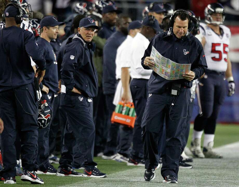 Houston Texans head coach Gary Kubiak paces the sidelines during the first quarter. Photo: Brett Coomer, Houston Chronicle / © 2012  Houston Chronicle