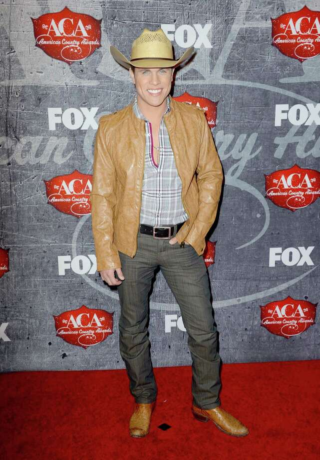 Singer Dustin Lynch arrives. Photo: Frazer Harrison, Getty Images / 2012 Getty Images