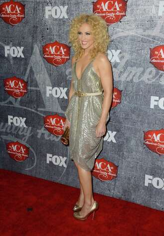 Singer Kimberly Schlapman of Little Big Town arrives. Photo: Frazer Harrison, Getty Images / 2012 Getty Images