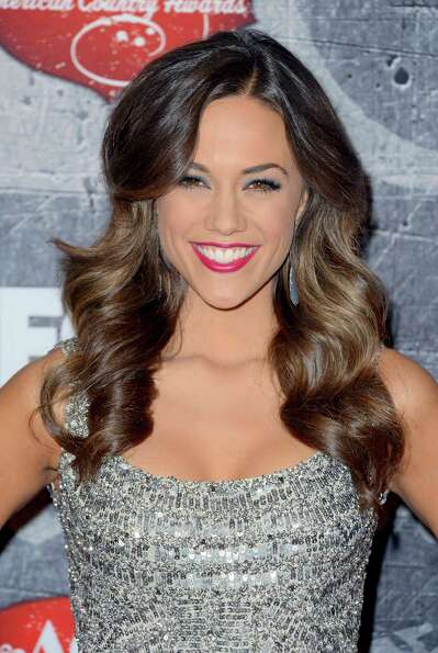 Singer Jana Kramer arrives.
