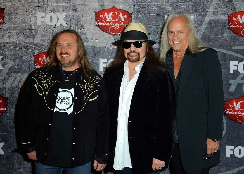 (L-R) Johnny Van Zant, Gary Rossington and Rickey Medlocke of Lynyrd Skynyrd arrive.