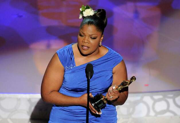 "Mo'Nique accepts the Oscar for best performance by an actress in a supporting role for A'A""Precious: Based on the Novel 'Push' by SapphireA'A"" at the 82nd Academy Awards Sunday, March 7, 2010, in the Hollywood section of Los Angeles. (AP Photo/Mark J. Terrill) Photo: Mark J. Terrill / AP"
