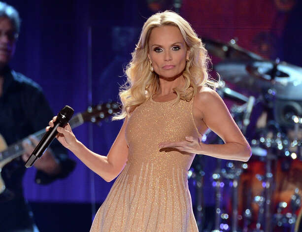 Singer Kristin Chenoweth performs onstage. Photo: Mark Davis, Getty Images / 2012 Getty Images
