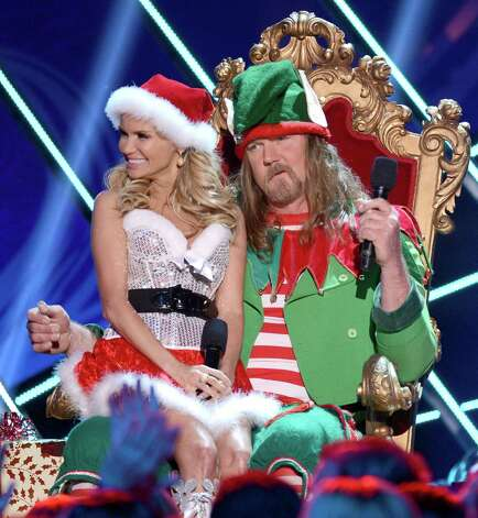 Hosts Kristin Chenoweth (L) and Trace Adkins perform onstage. Photo: Mark Davis, Getty Images / 2012 Getty Images