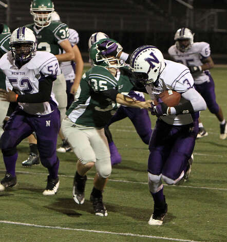 Kevin Shorter stiff-arms a Franklin defender during last Friday's win. Photo: Charles Kerr