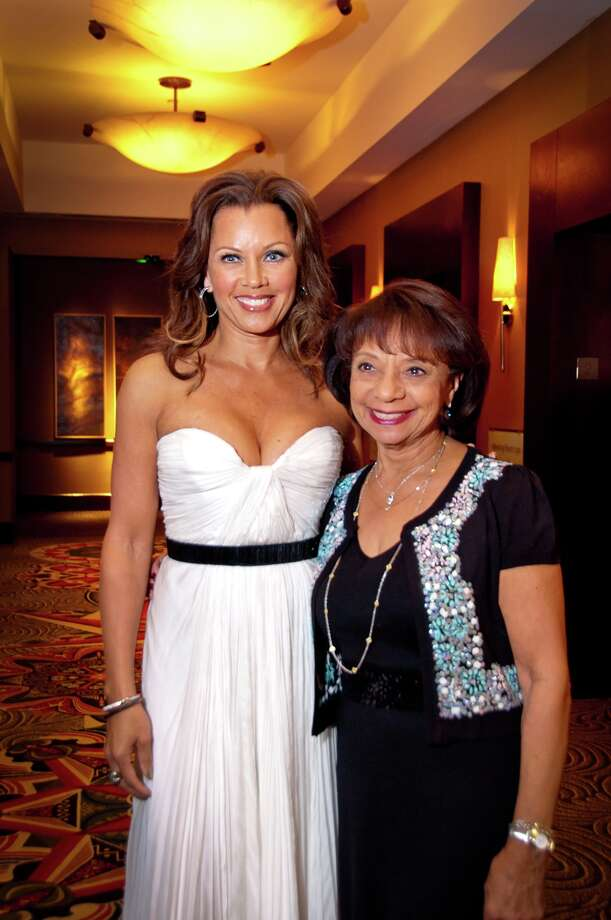 Vanessa Williams and her mother, Helen Williams, at the Houston Community College Black History Gala. Vanessa Williams was the keynote speaker for the scholarship gala, which helps support deserving students.  Photo: Grady Carter