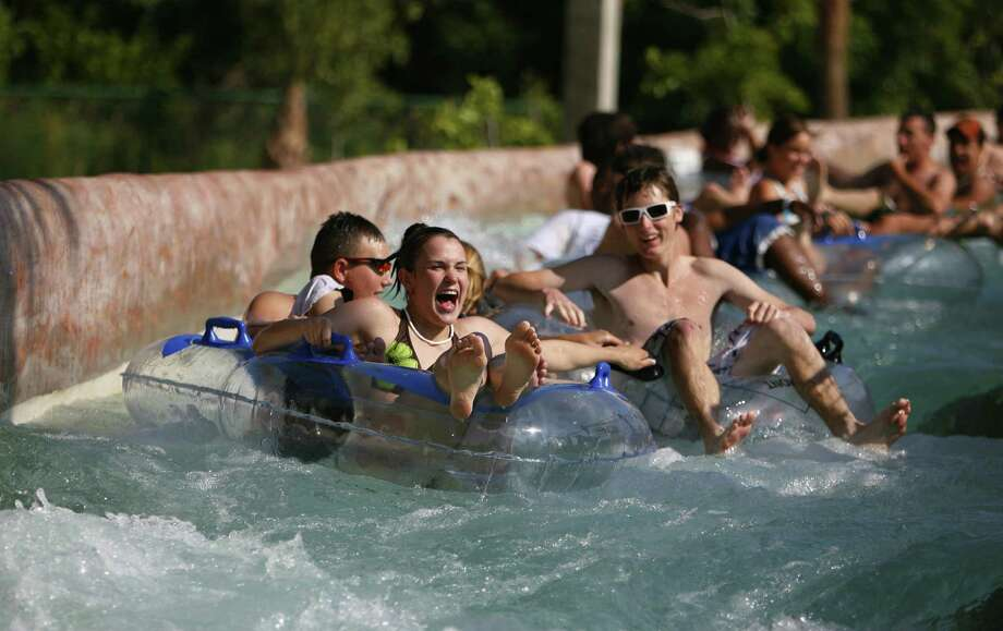 The White Water River, put to the test by park employees during a closed event in 2007, is among the popular attractions at Schlitterbahn Galveston Island Waterpark. Photo: (Steve Ueckert / Houston Chronic