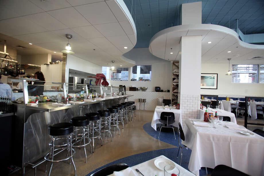 The dining room at The Sandbar. Photo: Shaminder Dulai, San Antonio Express-News / sdulai@express-news.net