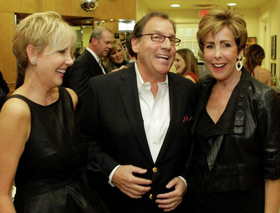 Jerri Moore, left, Jim Moore, and Liz Decker, right. Photo: Melissa Phillip, Staff / © 2012 Houston Chronicle