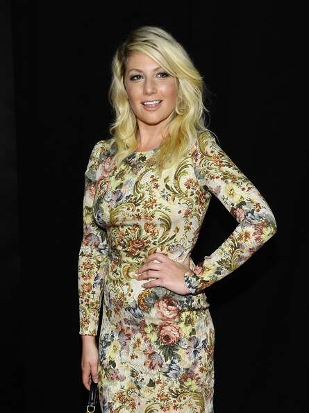 Ari Graynor attends the Les Miserables New York premiere at Ziegfeld Theatre on December 10, 2012 in