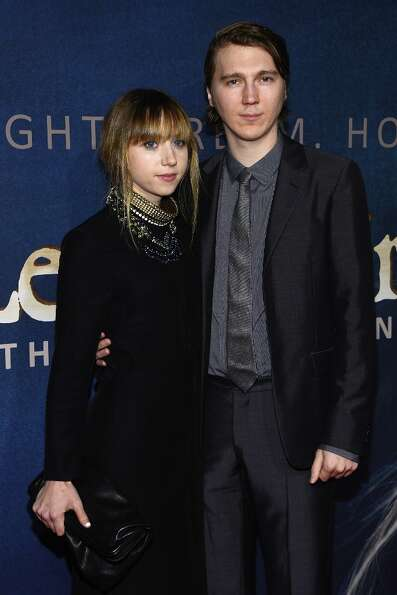 Zoe Kazan and Paul Dano attend the Les Miserables New York Premiere at Ziegfeld Theatre on December
