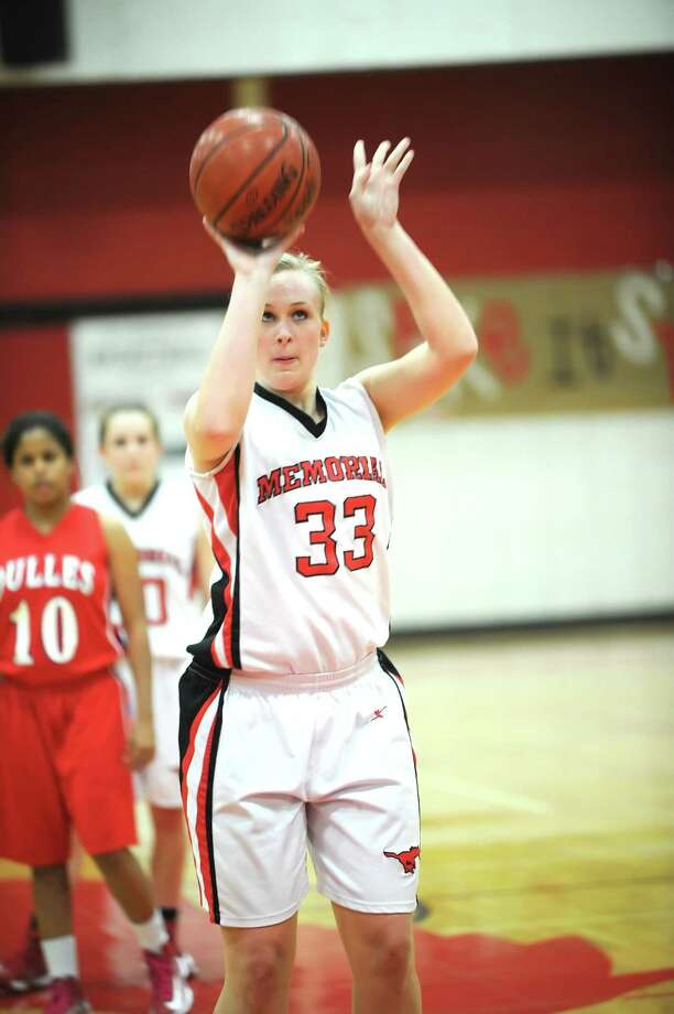 Memorial post Elissa Kissner is among the top returning starters for the Mustangs this season, leading the team with seven rebounds per game. Photo: Eddy Matchette, Freelance / Freelance