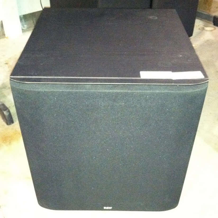 This speaker is being auctioned by the U.S. Marshals Office. Photo: Picasa, .