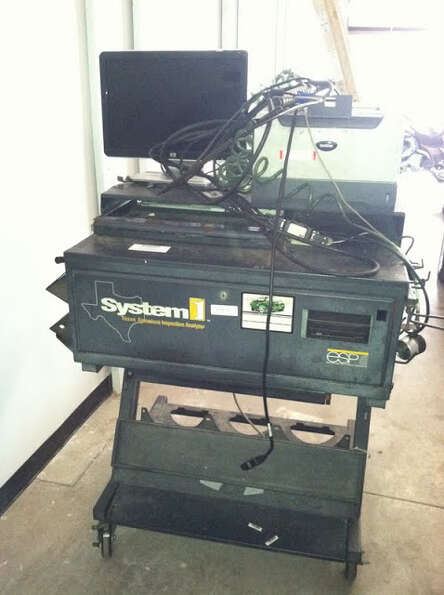 This Environmental System Product vehicle analyzer is being auctioned by the Harris County DA's Of